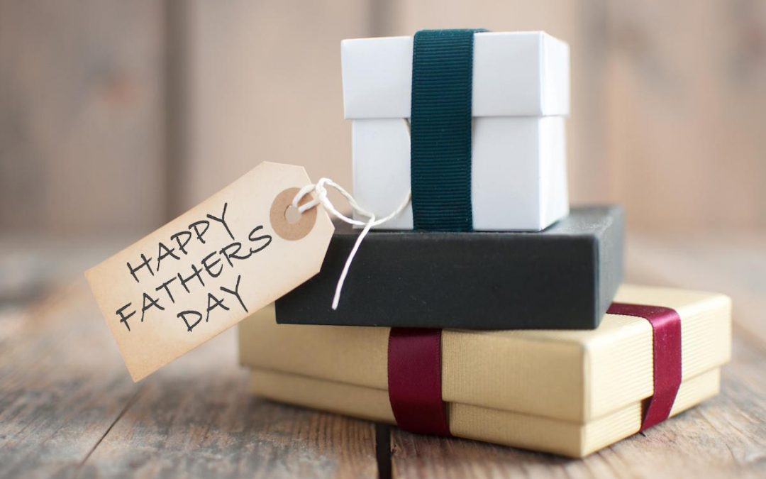 6 Useful Gifts Ideas for Dad this Father's Day